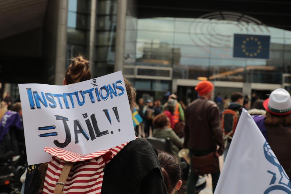 Photo 5 : La Marche pour la liberté s'est terminée devant le Parlement européen de Bruxelles, le 2 octobre 2019.